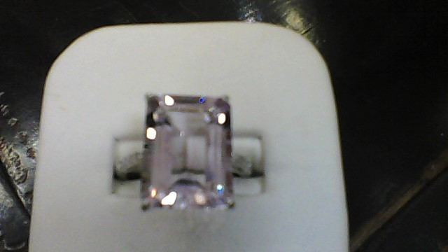 10K WG EMERALD CUT AMY WITH RD DIA ACCENT LD RING