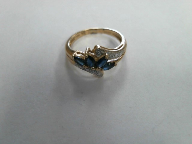 Purple Stone Lady's Stone Ring 10K Yellow Gold 1.4dwt