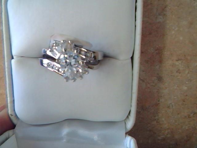 WEDDING SET RING JEWELRY; CZ STE
