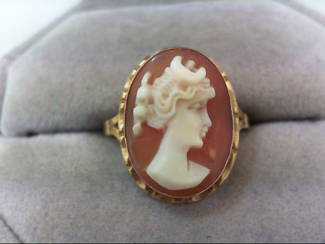 Lady's Gold Ring 18K Yellow Gold 3.4g