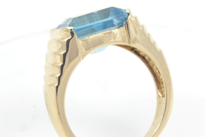 ESTATE BLUE TOPAZ RING SOLID 14K YELLOW GOLD RADIANT CUT SIZE 6.25