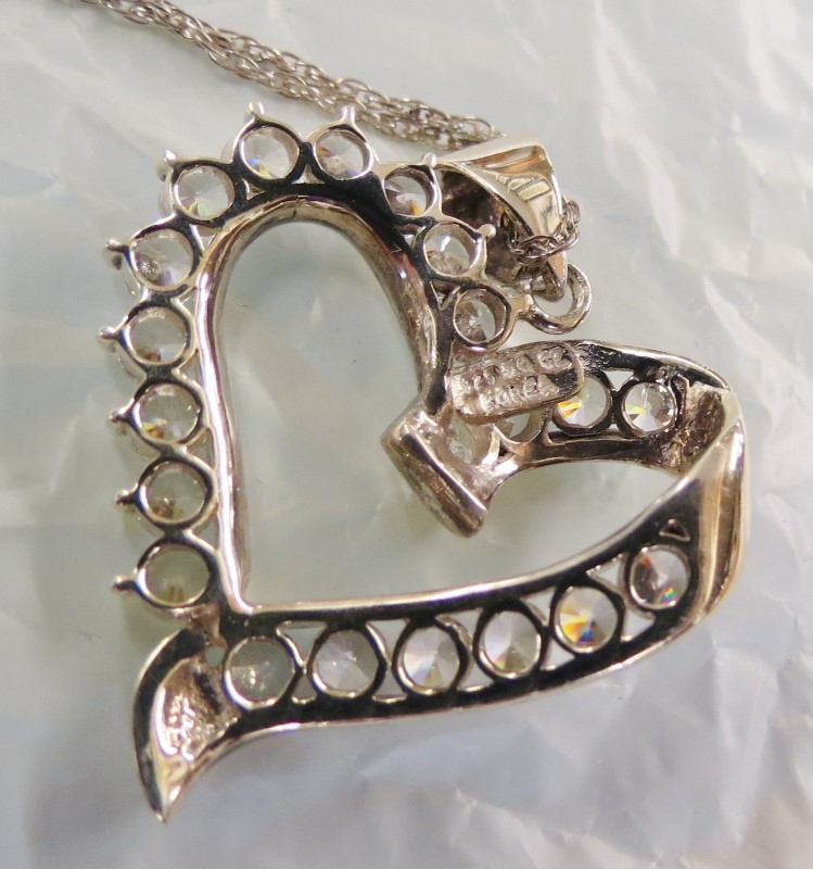 "18"" Heart Shaped 21-Stone Necklace w/Fine Silver Chain"