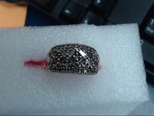 Lady's Diamond Cluster Ring 10 Diamonds .10 Carat T.W. 10K Yellow Gold 3.75dwt