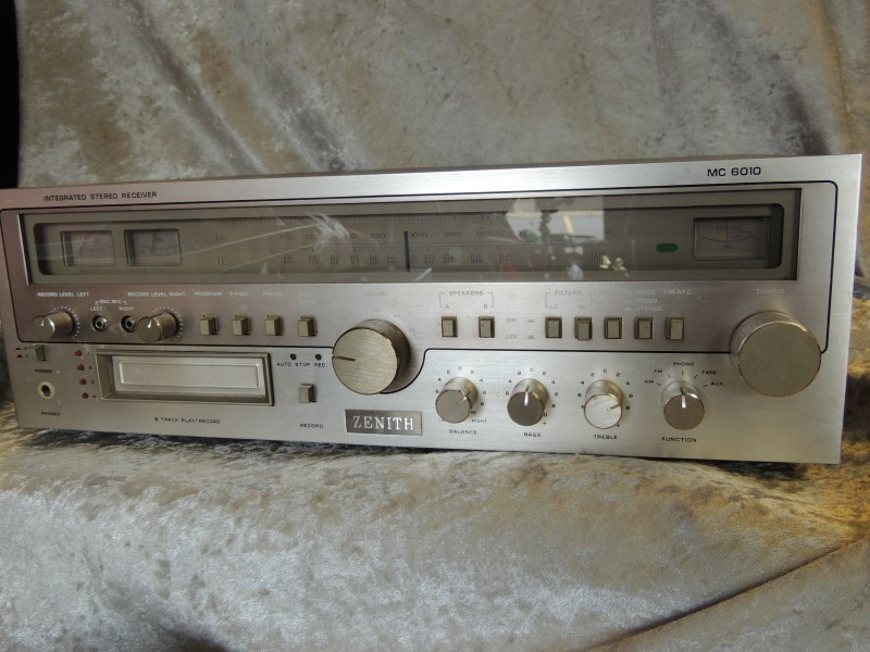 ZENITH MC6010 RECEIVER 8 TRACK PLAYER
