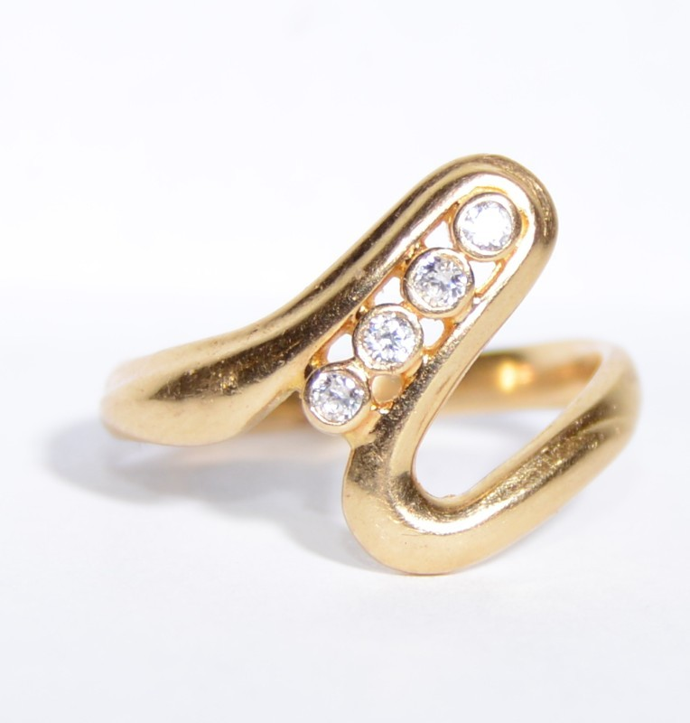 14K Yellow Gold Vintage Inspired Crazy Wave Diamond Ring Size 5.5