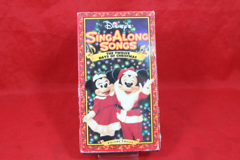 DISNEY'S SING ALONG SONGS - THE TWELVE DAYS OF CHRISTMAS VOLUME 12 VHS
