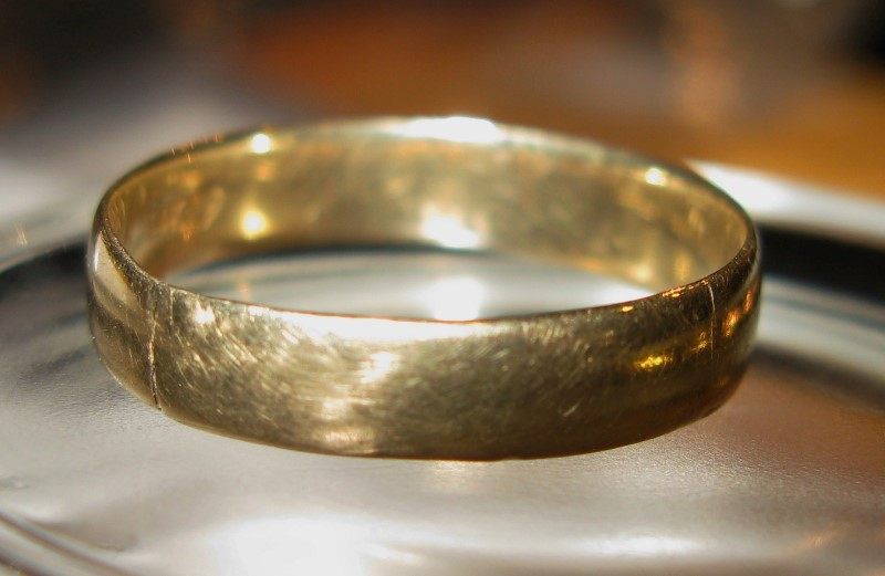 Gent's Gold Band 4mm wide 14K Yellow Gold 1.6dwt Size:9