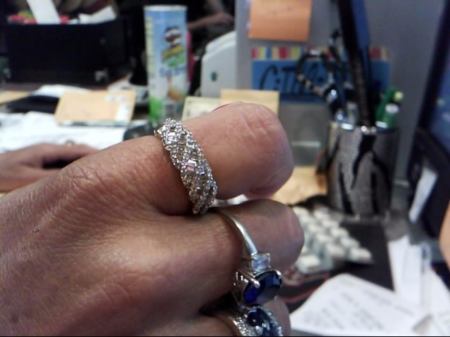 Lady's Diamond Wedding Band 91 Diamonds .91 Carat T.W. 14K Yellow Gold 3.25dwt