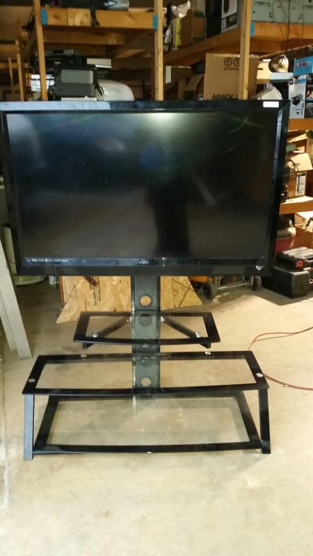 "VIZIO TV 47"" E471VLE,GLASS STAND (NO REMOTE)"