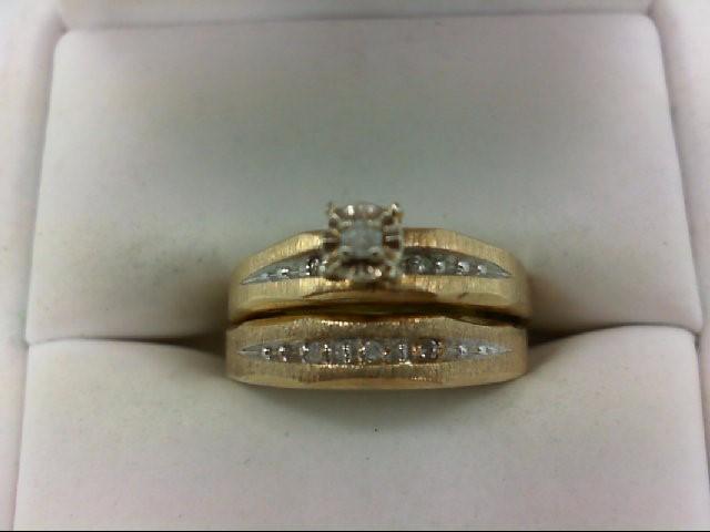 Lady's Diamond Wedding Set 6 Diamonds 0.08 Carat T.W. 10K Yellow Gold 3.6g Size: