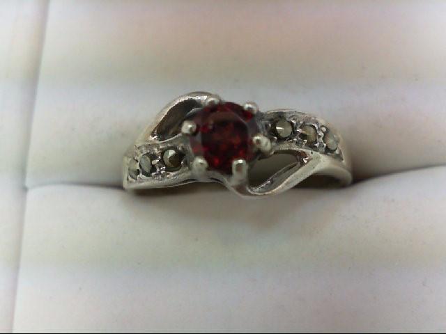 Synthetic Almandite Garnet Lady's Silver & Stone Ring 925 Silver 3.9g