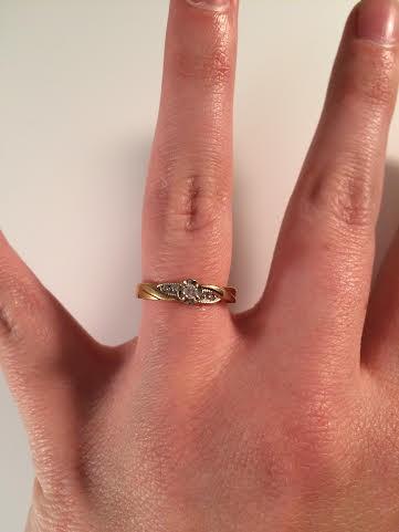 Lady's Diamond Solitaire Ring 5 Diamonds .09 Carat T.W. 10K Yellow Gold 1.6g