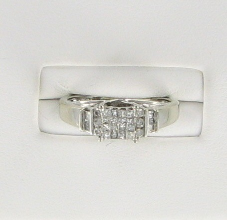 Lady's Diamond Fashion Ring 28 Diamonds .28 Carat T.W. 14K White Gold 2.6dwt