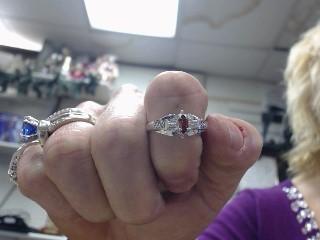 Synthetic Almandite Garnet Lady's Silver & Stone Ring 925 Silver 2.1dwt