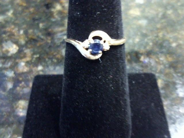 Lady's Diamond Fashion Ring 2 Diamonds .02 Carat T.W. 14K Yellow Gold 1.2dwt