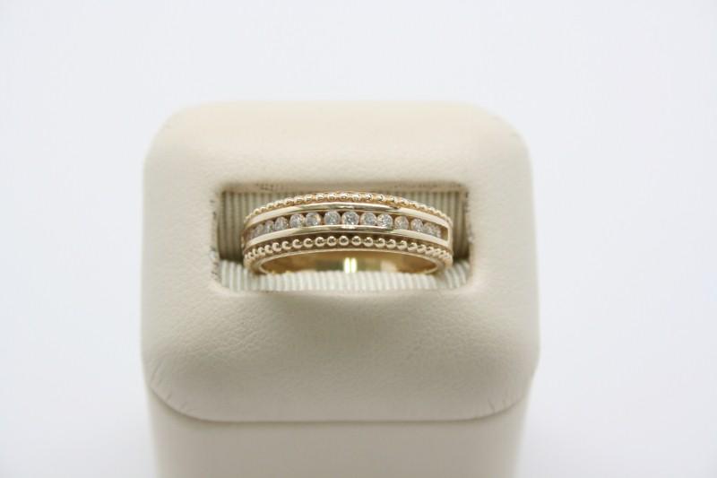 LADY'S WHITE STONE WEDDING BAND 14K YELLOW GOLD
