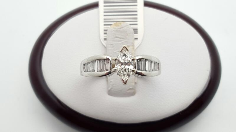 Lady's Platinum-Diamond engagement 15 Diamonds 1.09 Carats T.W. 950 Platinum 9g