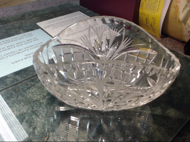 FIFTH AVENUE CRYSTAL CANDY DISH