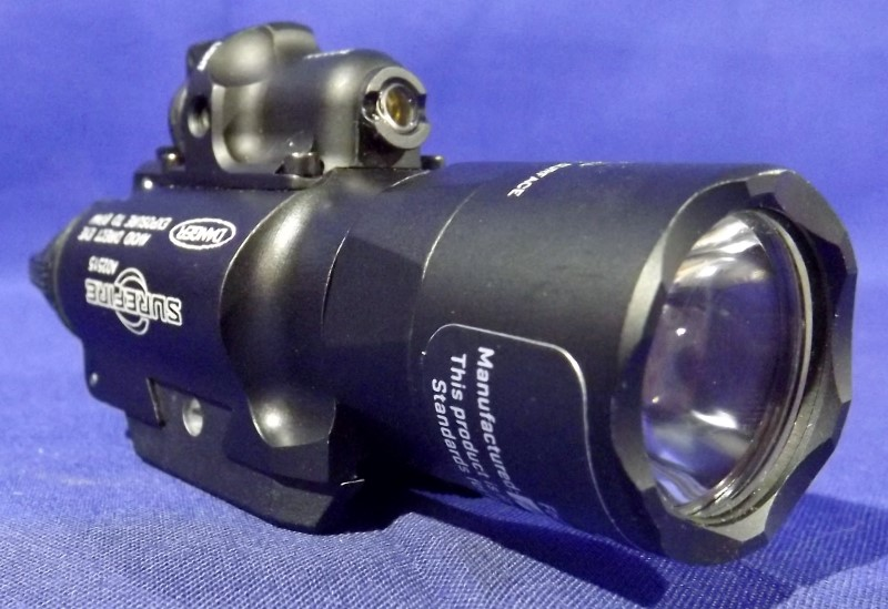 SUREFIRE X400 TACTICAL LIGHT