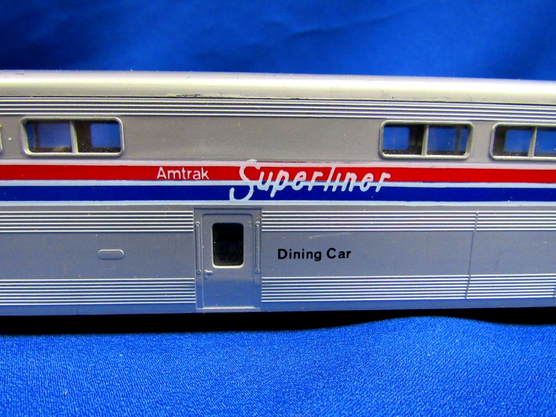 KATO TRAINS AMTRAK SUPERLINER DINING CAR