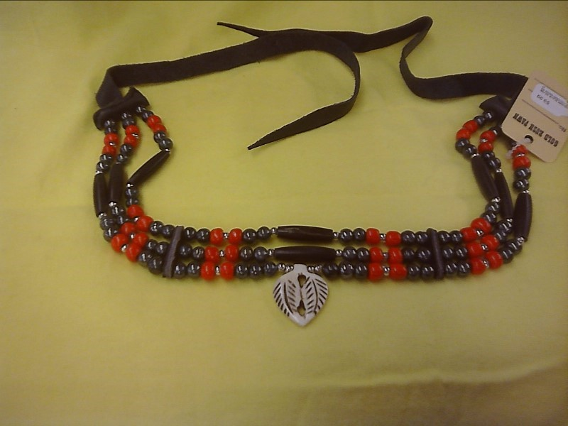 NECKLACE JEWELRY JEWELRY; CHOKER BLACK SILVER RED COLORED BEADS WITH DOUBLE LEAV
