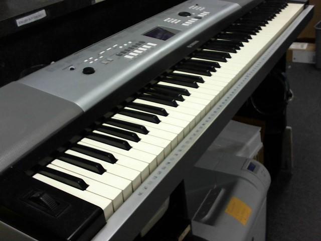YAMAHA Piano/Organ DGX520