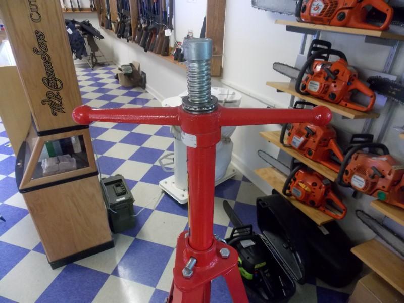 Astro - 2 Ton Underhoist Tripod Stand - 1102