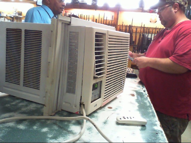 LG Air Conditioner LW7010HR