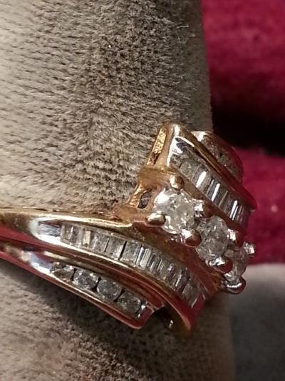 Lady's Diamond Cluster Ring 31 Diamonds .75 Carat T.W. 10K Yellow Gold 1.2dwt
