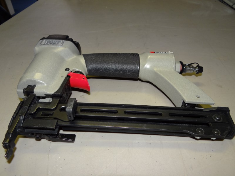 Porter Cable NS100B 18 Ga. 1/2 in. To 1 in. Narrow Crown Stapler