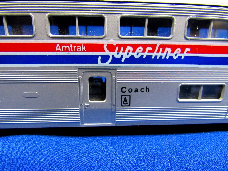 KATO TRAINS AMTRAK SUPERLINER COACH CAR