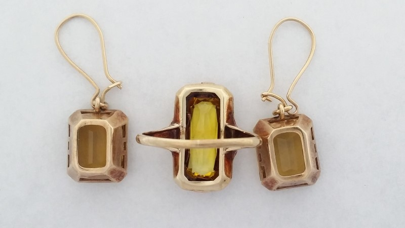 Lady's Citrine Ring & Earring Set. In 10K Yellow Gold 7.27g