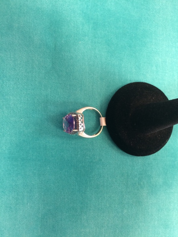 Synthetic Purple Stone Lady's Stone Ring 10K White Gold 3.7dwt