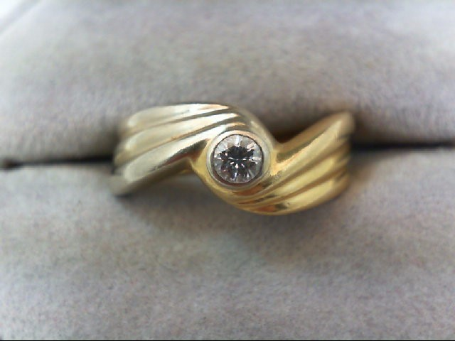 Lady's Diamond Solitaire Ring .12 CT. 18K 2 Tone Gold 4.6g