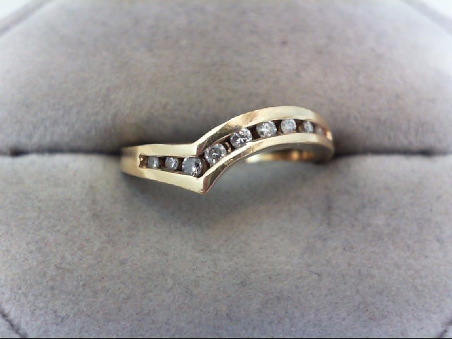 Lady's Diamond Wedding Band 9 Diamonds .21 Carat T.W. 18K Yellow Gold 3.9g