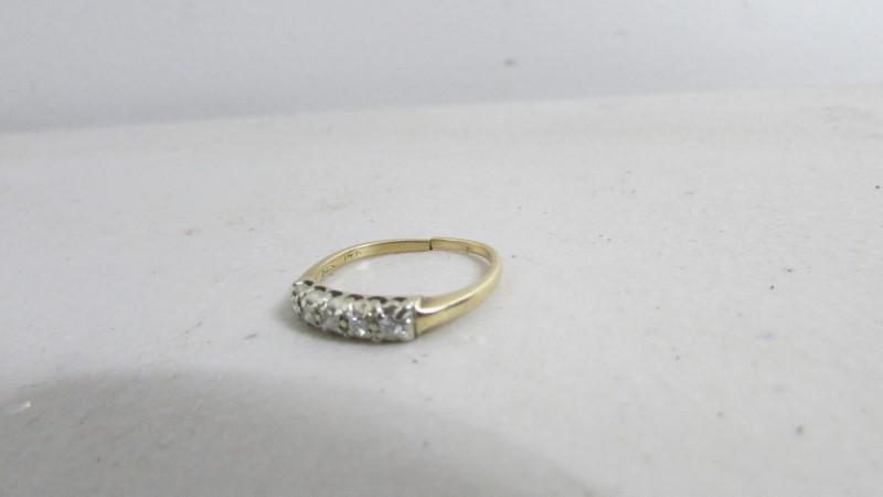 Lady's Diamond Solitaire Ring 5 Diamonds .15 Carat T.W. 14K Yellow Gold 2.05g
