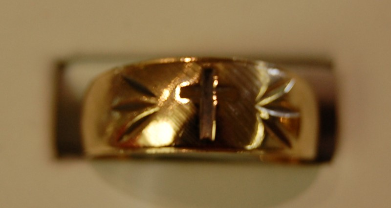 Lady's Gold Ring 14K Yellow Gold 4.1g