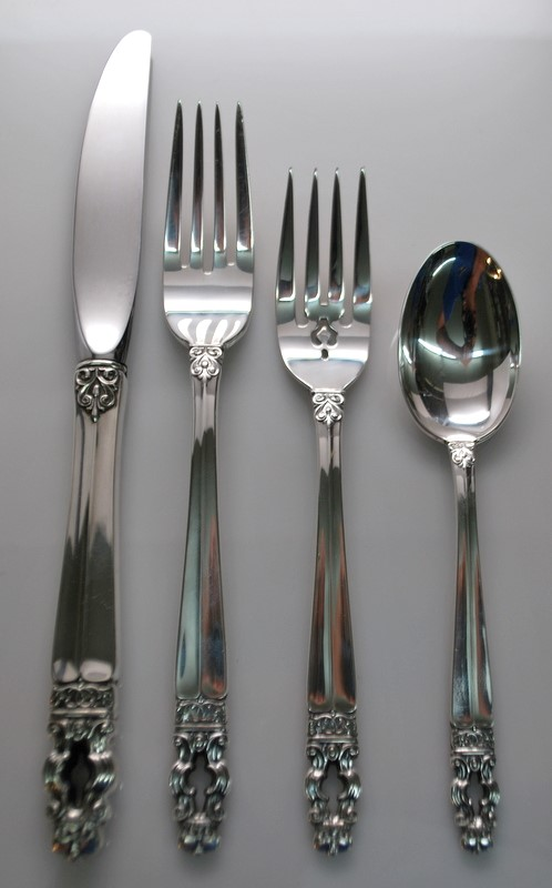 GORHAM SOVEREIGN HISPANA 4 PC. STERLING SILVER PLACE SETTING