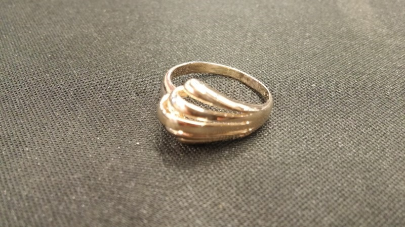 Lady's Gold Ring 14K Yellow Gold 1.6dwt Size:4.8