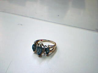 Blue Stone Lady's Stone Ring 14K Yellow Gold 2.9g