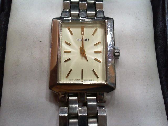 SEIKO Lady's Wristwatch V700-5J09