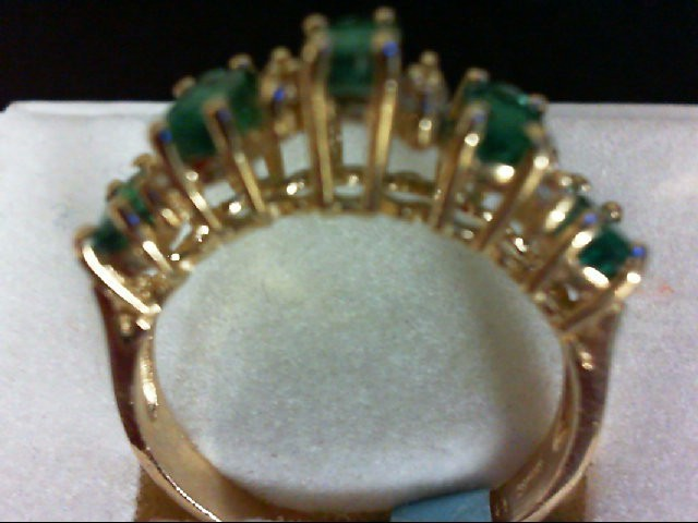 Emerald Lady's Stone & Diamond Ring 8 Diamonds 0.08 Carat T.W. 14K Yellow Gold 3