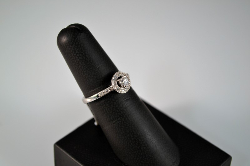 White Stone Lady's Silver & Stone Ring 925 Silver 2.7g Size:7