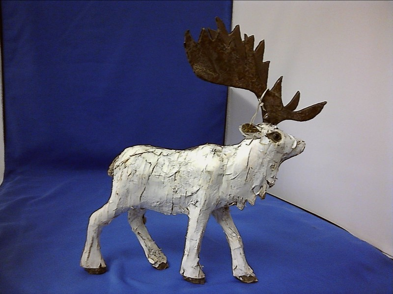 MISC COLLECTIBLES NEW MISC NEW MISC SHAN & BIRDIE DM106; MOOSE MADE FROM BARK