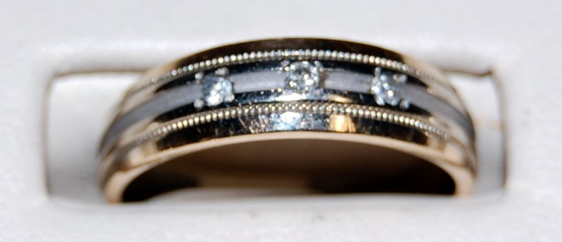 14K Yellow Gold Gent's Diamond Wedding Band 4.1G 0.15CTW Size 8.25