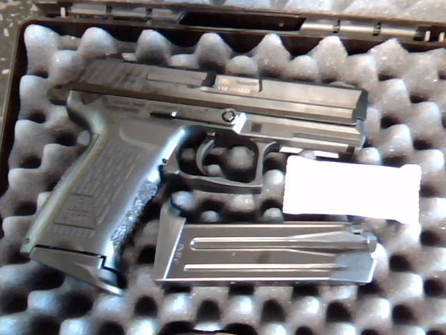 HECKLER & KOCH Pistol P2000-V3