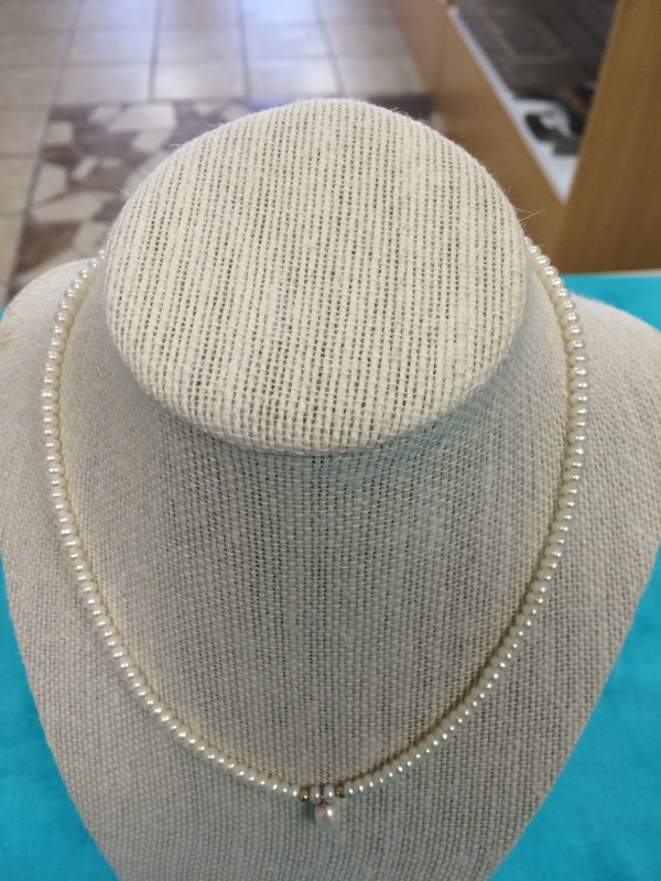 Synthetic Pearl Stone Necklace 0.44dwt