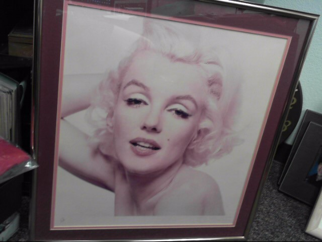 MARILYN MONROE LIMITED EDITION 24 X 22  PHOTO PRINT PROFESSIONALLY FRAMED