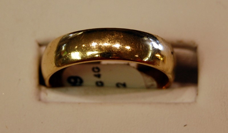 Lady's Gold Ring 18K Yellow Gold 4g