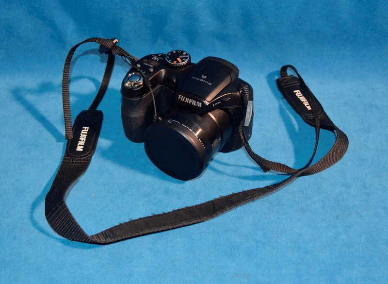 FUJI Digital Camera FINEPIX S2550HD